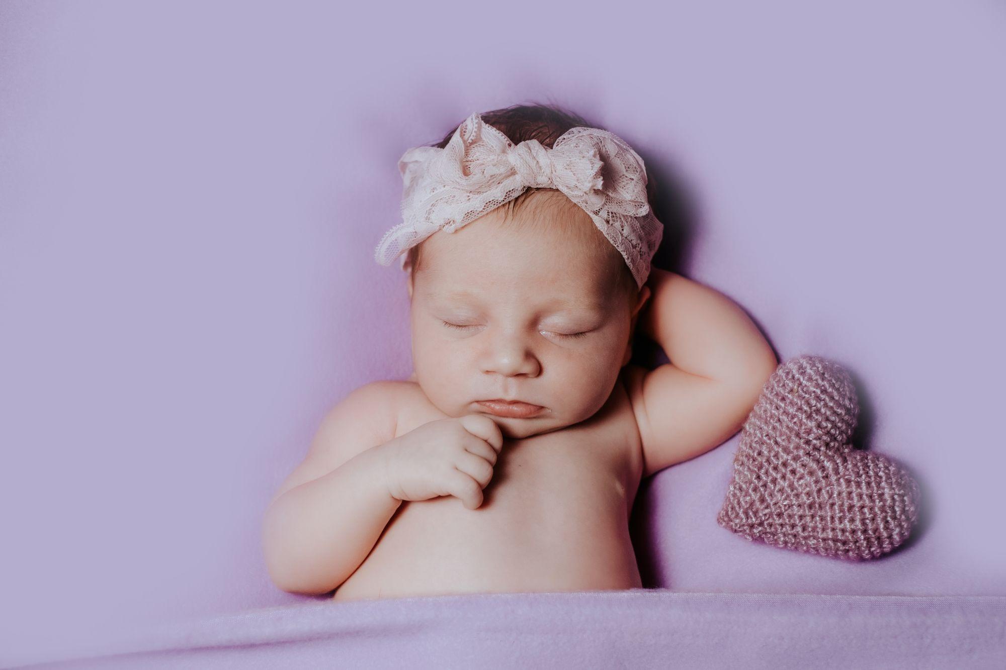 Ti sei mai chiesto come funziona un servizio fotografico newborn? Pillole di curiosità